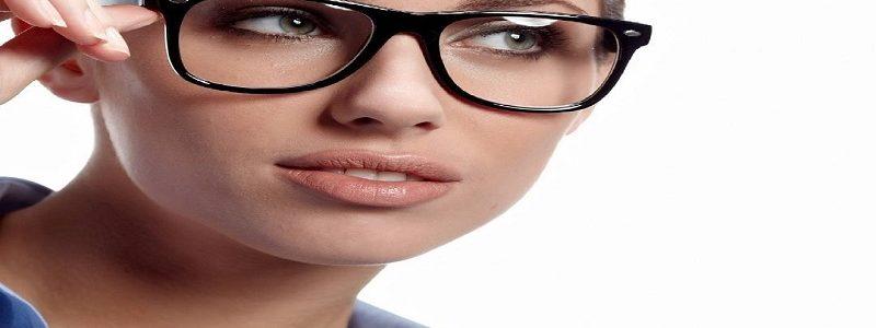 چه مدت پس از عمل جراحی بینی میتوان عینک استفاده کرد؟